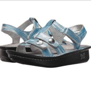 Algeria Kleo wrapture metallic sandals